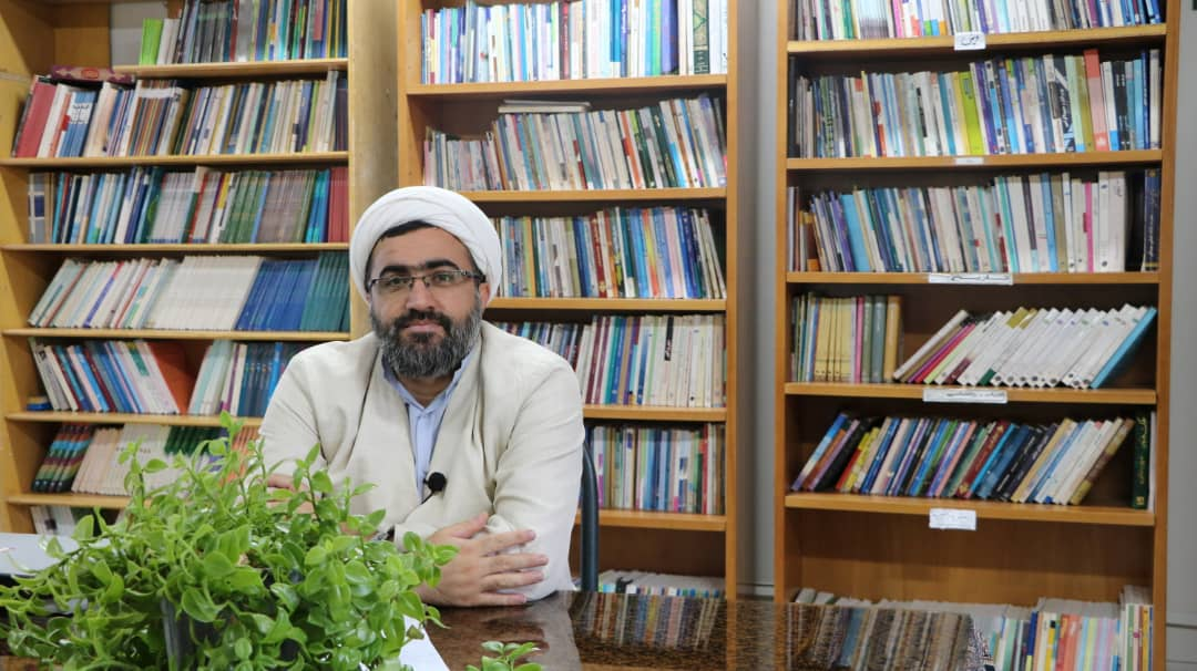 حجت الاسلام و المسلمین حاج آقای فضلیان مسئول دفتر نهاد نمایندگی مقام معظم رهبری در دانشگاه دامغان